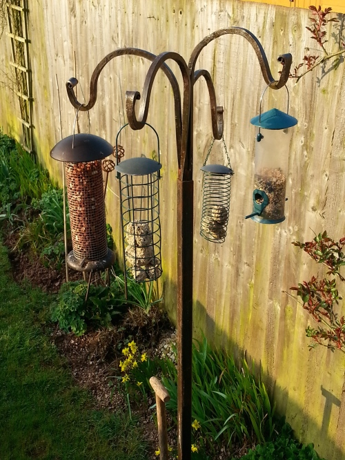 solid iron bird feeder